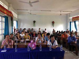 Giáo viên và phụ huynh tham dự buổi đối thoại.