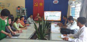 Cô Đặng Thị Thanh Thuý – Phó Hiệu trưởng hướng dẫn thực hiện