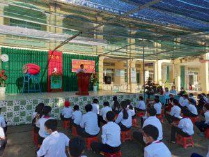 Thầy Nguyễn Tấn Nhàn – Bí Thư chi bộ- Hiệu trưởng phát biểu chào mừng và tuyên bố khai giảng năm học mới