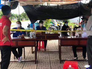Tham gia hỗ trợ tại chốt kiểm soát dịch giáp ranh Tam Nông – Thanh Bình